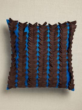 7.10.10 half moom laser cushion